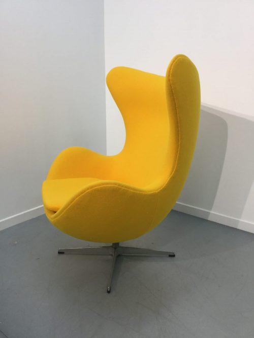 Egg Chair de Friz Hansen, Arne Jacobsen et Poul Kjaerholm